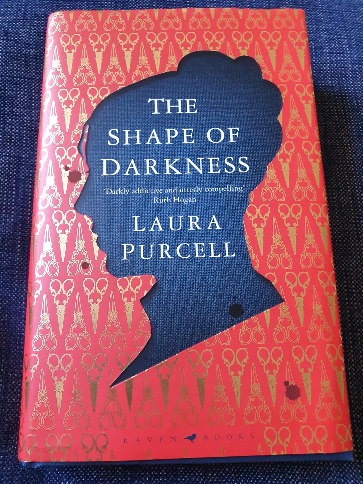 Boktips: The Shape of Darkness av LauraPurcell